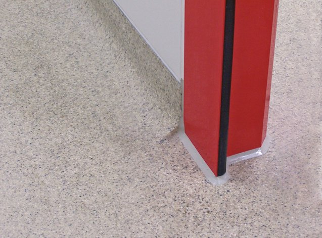 Cleanroom Technology: Floor fitting