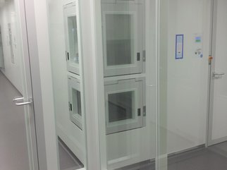 Cleanroom Technology: Windows